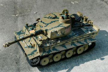 rc panzer modell r c deutscher tiger modellbau 1 16. Black Bedroom Furniture Sets. Home Design Ideas