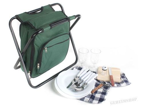 Picknicktasche mit Inhalt und Stuhl