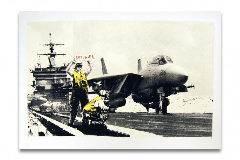 Banksy Flugzeugträger Applaus