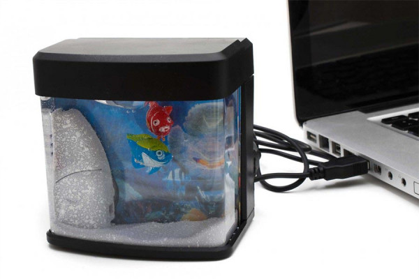 USB Aquarium – beleuchtet mit umherschwimmenden Fischen