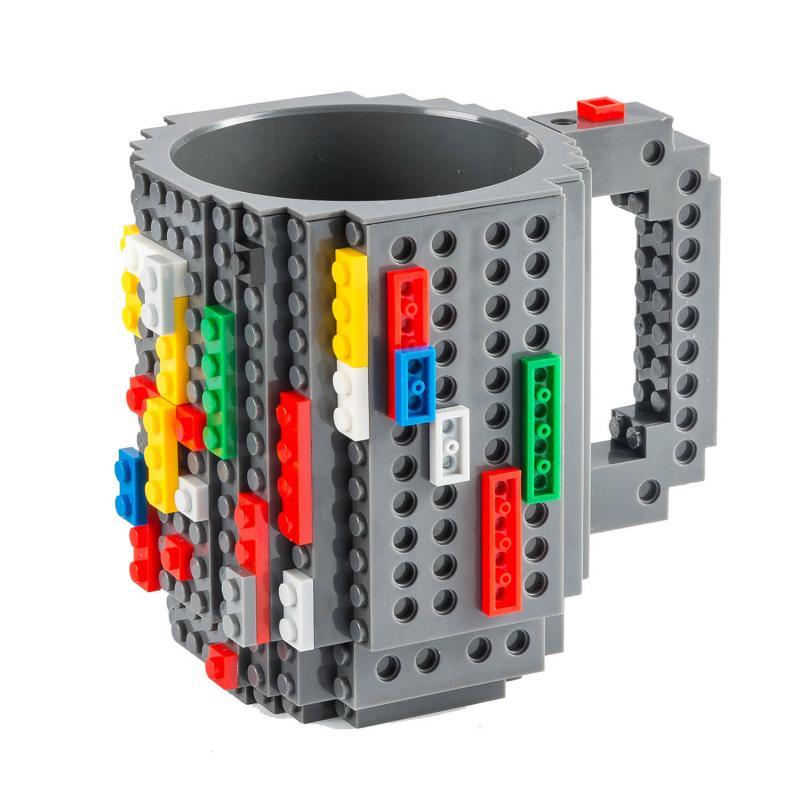 Tasse mit Bausteinen