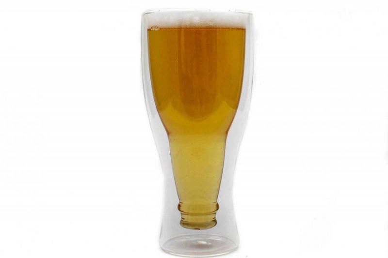 Doppelwandiges Bierglas Inside Out Umgestülpte Bierflasche im Glas