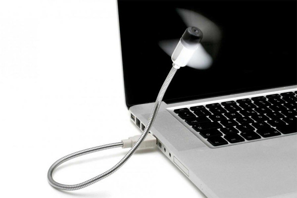 USB Ventilator für einen kühlen Kopf am Arbeitsplatz