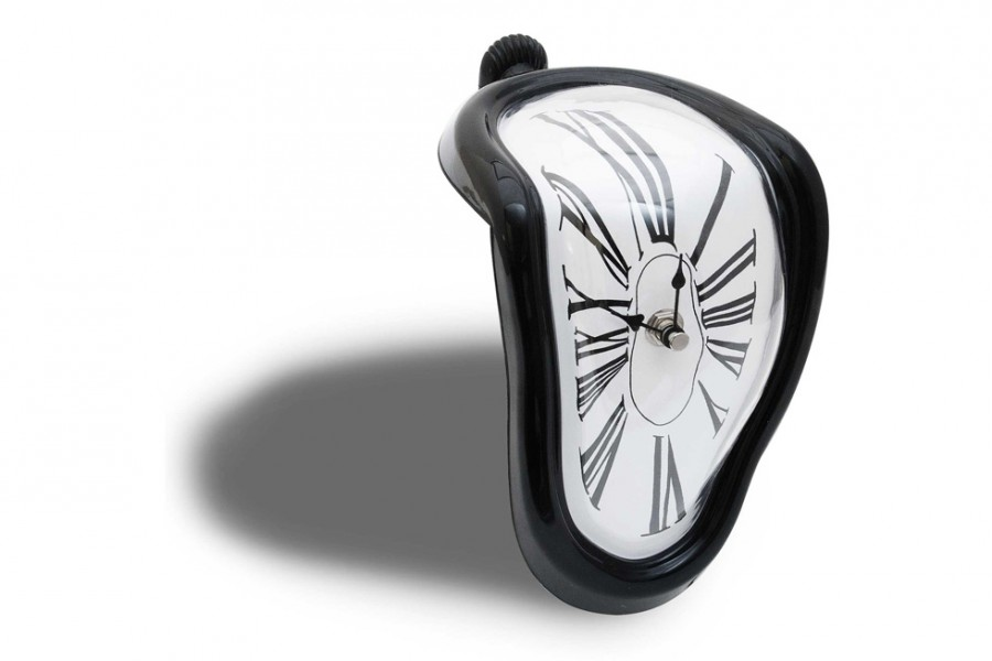 schmelzende uhr zerflie ende melting clock. Black Bedroom Furniture Sets. Home Design Ideas