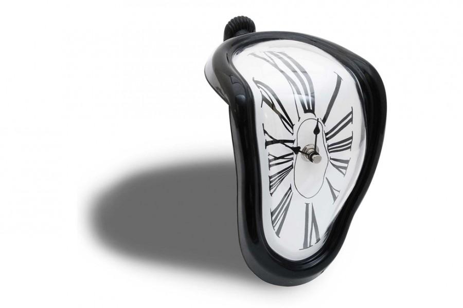 schmelzende uhr zerflie ende melting clock. Black Bedroom Furniture Sets. Home Design Ideas