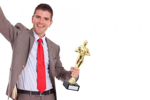 Sieger-Statue: Gold Pokal Victor